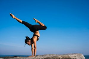 yoga and weight loss, how yoga burn fat, how to improve your health with yoga, asenas