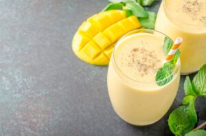 mango smoothies for weight gain.