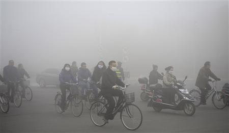 Which Type Of Pollution Includes CFCS And Smog?