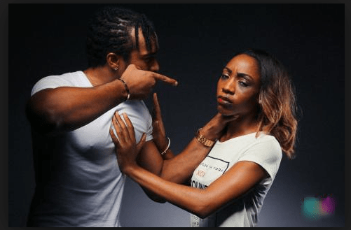 What Are The Warning Signs Of An Abusive Relationship